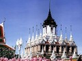 Храм Ратчанадарам в Бангкоке