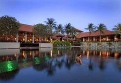 Отличный гостиничный комплекс на Сентозе